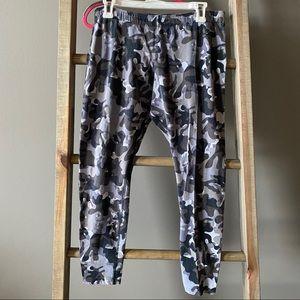Nike Gray Camo Leggings